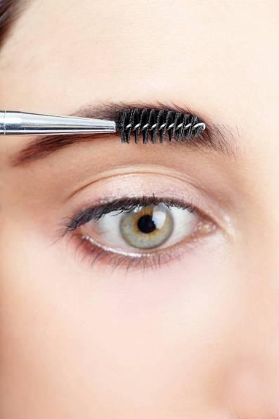54ab1b8cb282d_-_elle-defining-eyebrow-tutorial-7-xln