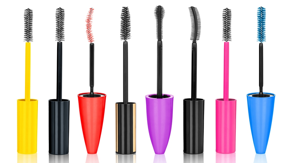 mascara-wands-tease-today-161101_bfc0d8180b7bcea2ca080e907be482fd.jpg